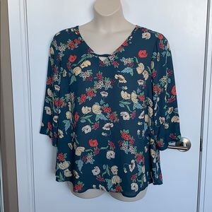 MAURICES   1X   Floral Pintuck Back Laced Neck Top
